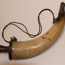Gunner's powder horn